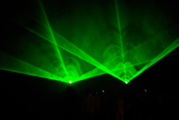sfeer en lasers